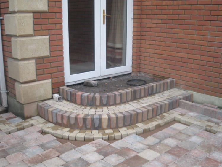 Click on any of the fencing images to see an enlarged view. & DM Driveways Doorsteps Page